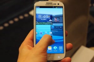 Changing homescreens in the Samsung Galaxy S3