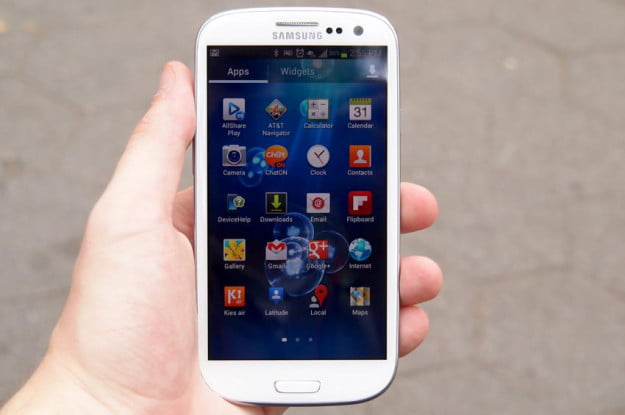 Samsung Galaxy S3 review full screen android 4.0 apps home screen