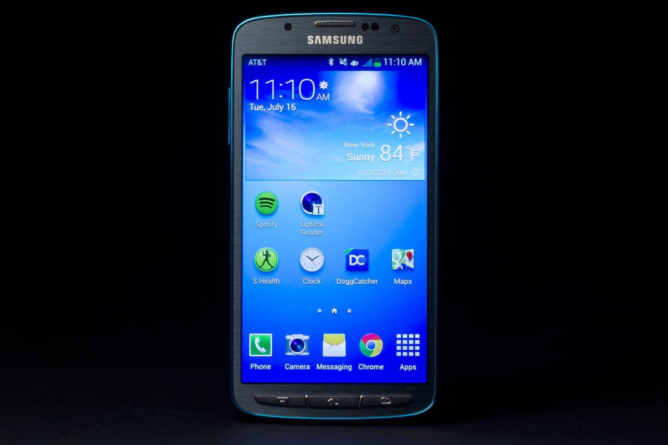 Samsung-Galaxy-S4-Active-review-front-screen-on