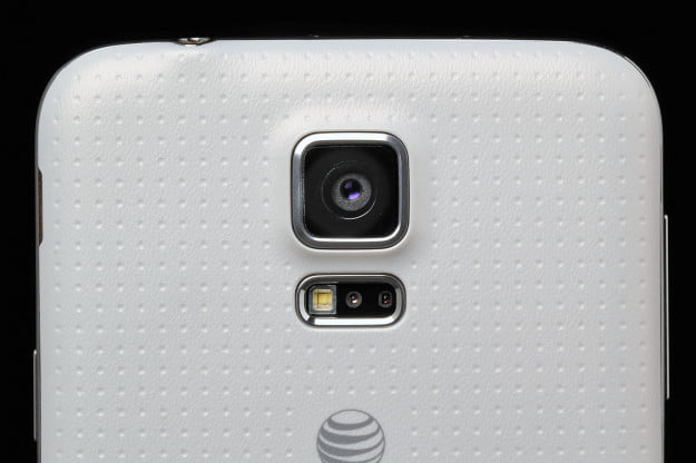 Samsung Galaxy S5 review rear camera lens macro 2