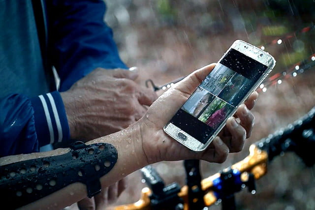 sprint nixes galaxy forever samsung s  edge h proof