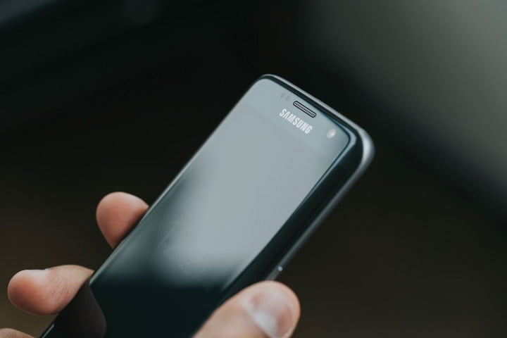samsung galaxy s  edge review top screen angle