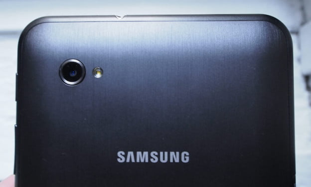 samsung-galaxy-tab-7-camera-lens