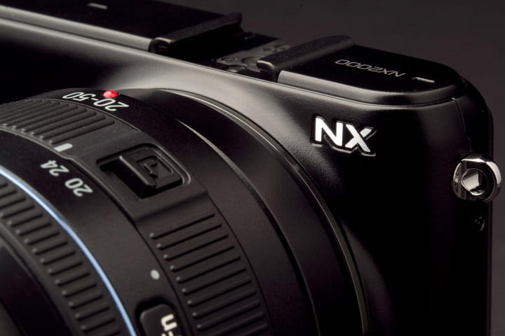 samsung nx  review camera logo angle