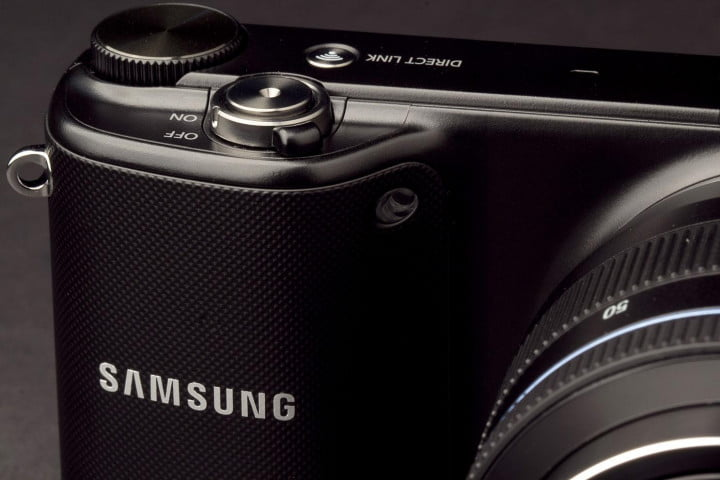 samsung nx  review camera top buttons