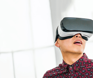 Samsung will challenge Oculus and HTC with a phone free VR headset