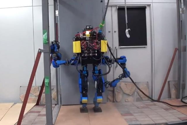 google and foxconn cosying up for robotics development schaft robot