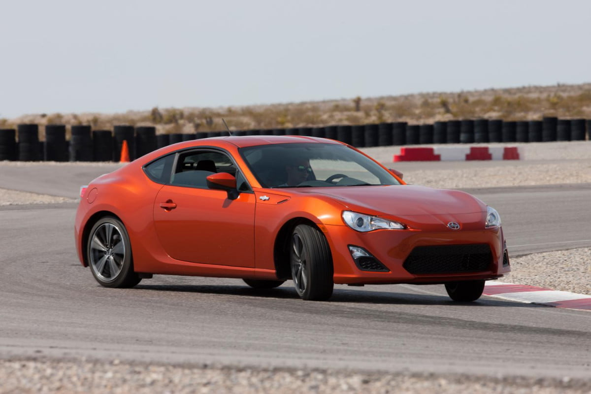 scion expands canadian racing contingency program  fr s