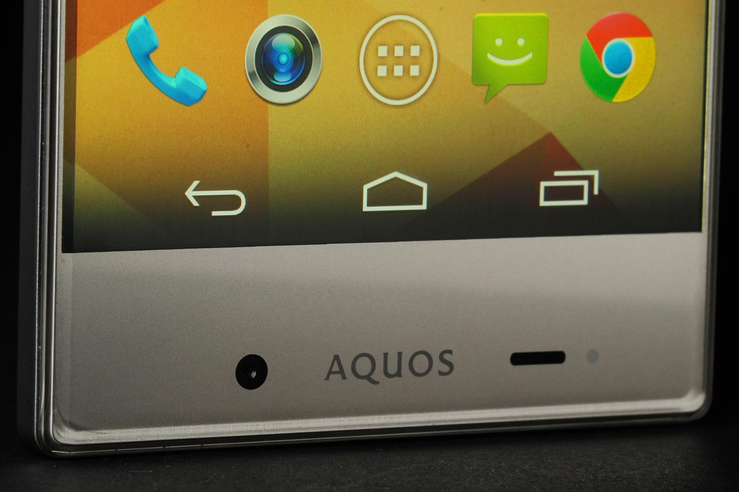 Sharp Aquos Crystal Review: A bezel-free phone with disappointing