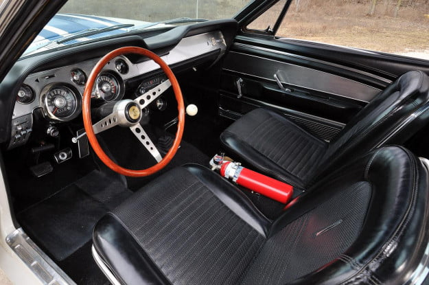 Shelby 1967 GT500 Super Snake interior