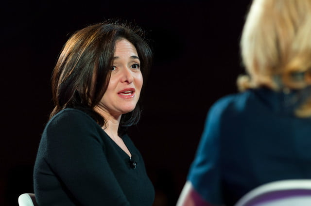 facebooks sheryl sandberg tells critics that peter thiel is staying put