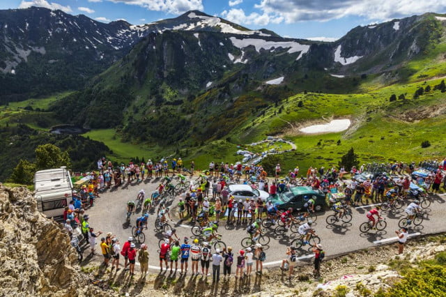 watch le tour de france online shutterstock