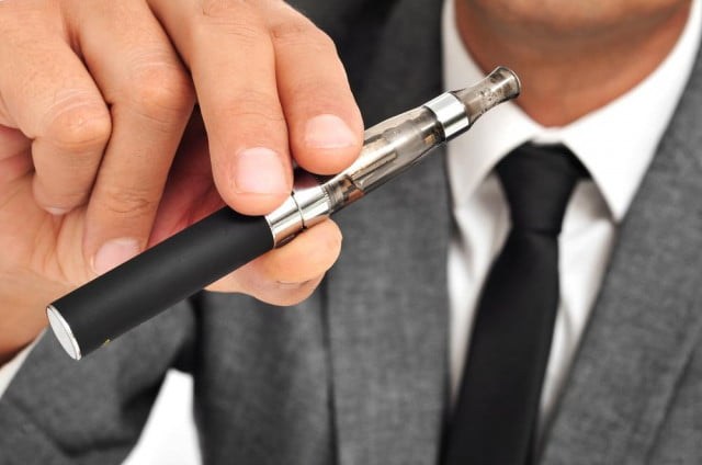 liquid nicotine in e cigarettes draws ire from the fda as poisoning rates increase ego ecigarette kit