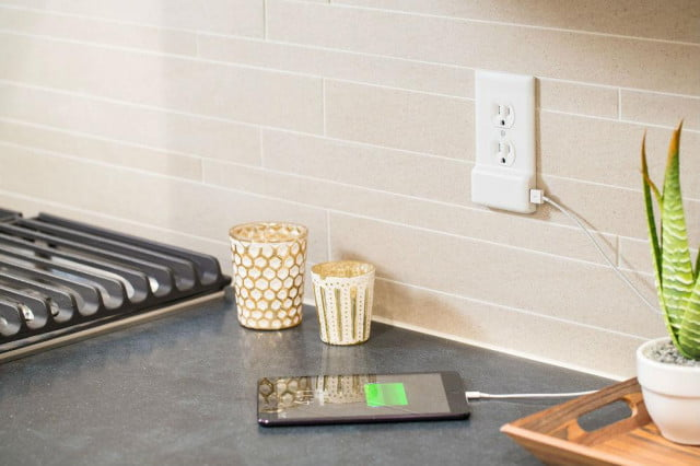 snappower outlet cover has usb charger