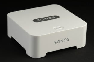 Sonos bridge wireless transmitter front angle