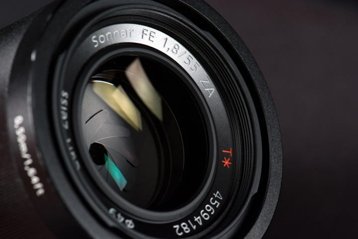 sony alpha a  review mm lens