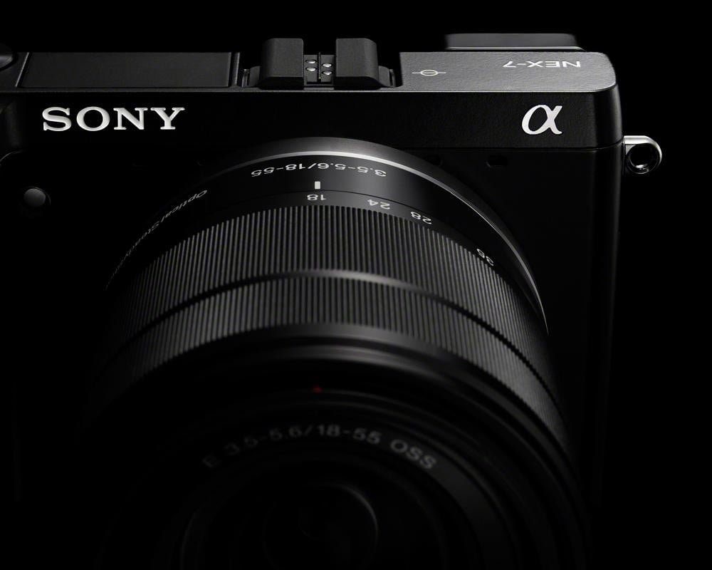 sony-alpha-nex-7-review-front-hotshoe
