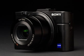 sony-cyber-shot-rx100-ii-right-side-zoom-angle-1486x991