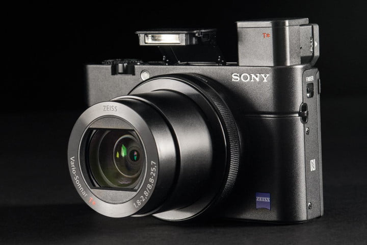 sony rx  iii review cybershot mark front angle