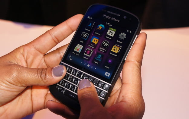 BlackBerry Q10 - using the QWERTY keyboard