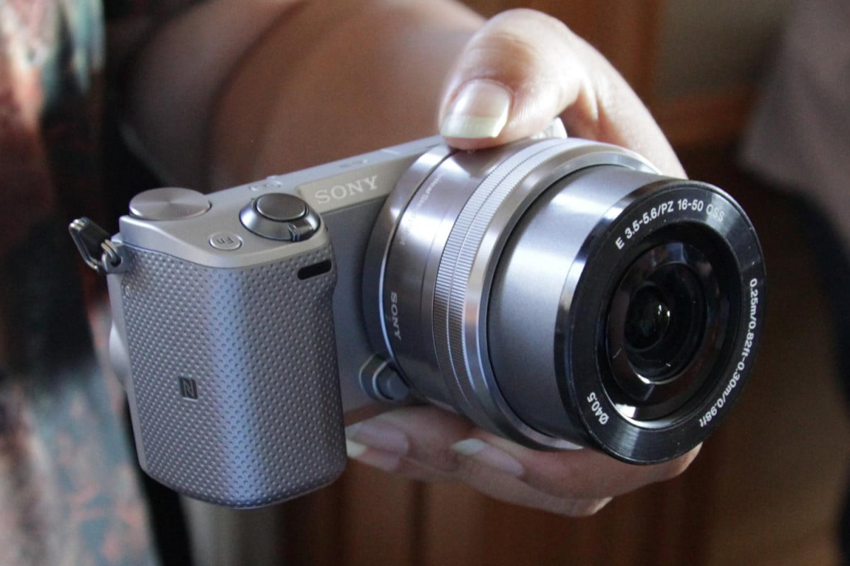 sony adds nfc and compact kit lens to new nex  t mirrorless camera