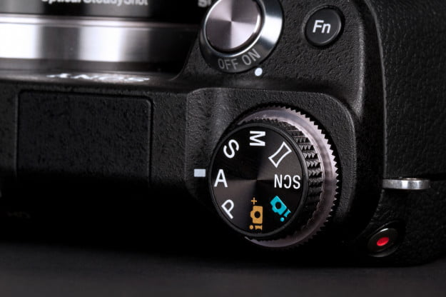 Sony NEX 6 Review dial