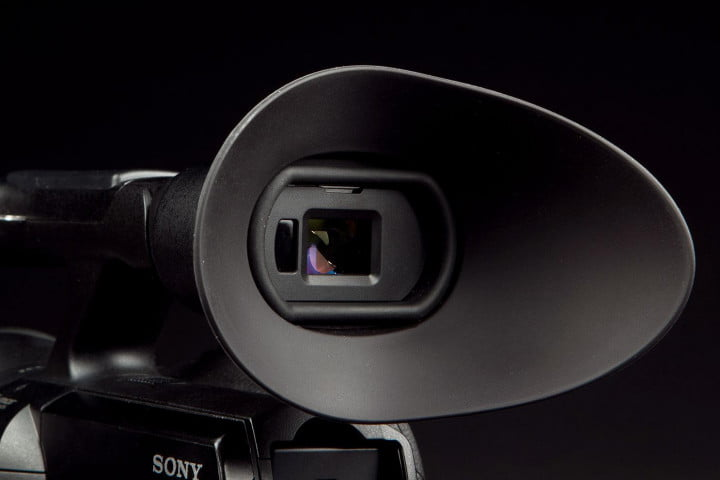sony nex vg  review camcorder viewfinder