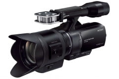 sony nex vg  review press image