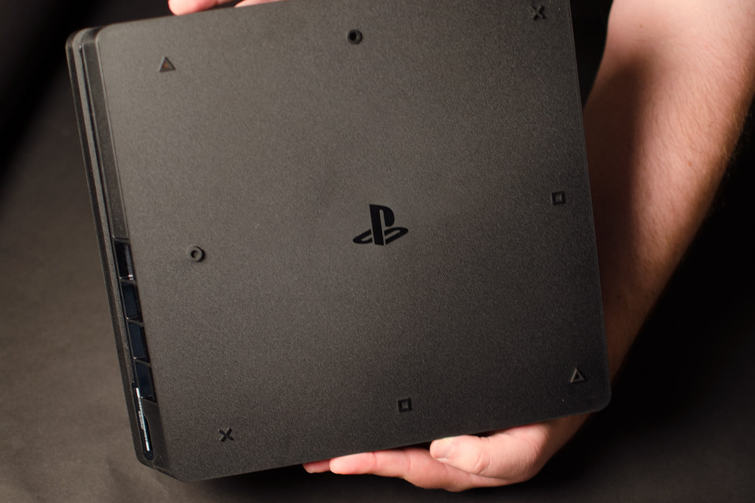 ps4 slim review not worth upgrading still a great playstation digital trends. Black Bedroom Furniture Sets. Home Design Ideas