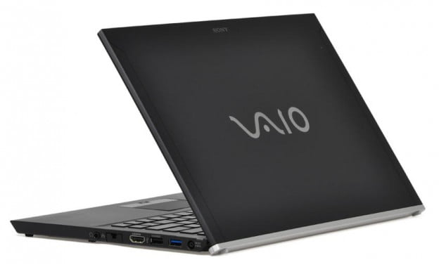 sony-vaio-z-review-black-lid-angle