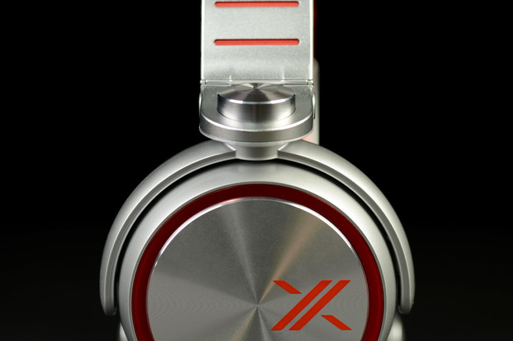Sony X Review MDR X10 Headphones side enclosure