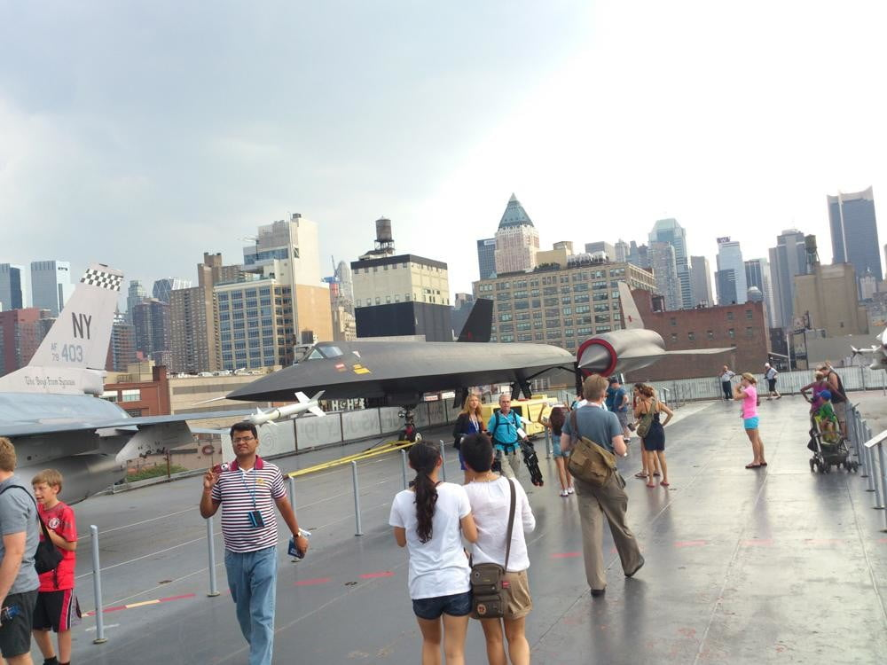 Sony Xperia Ion review camera sample outside natural light android 2.1 smartphone