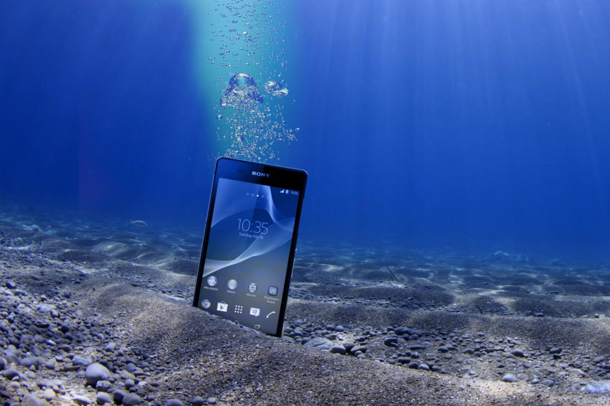 xperia z  survives six weeks on seabed sony sea