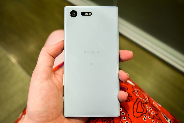 sony xperia x  news compact back feat
