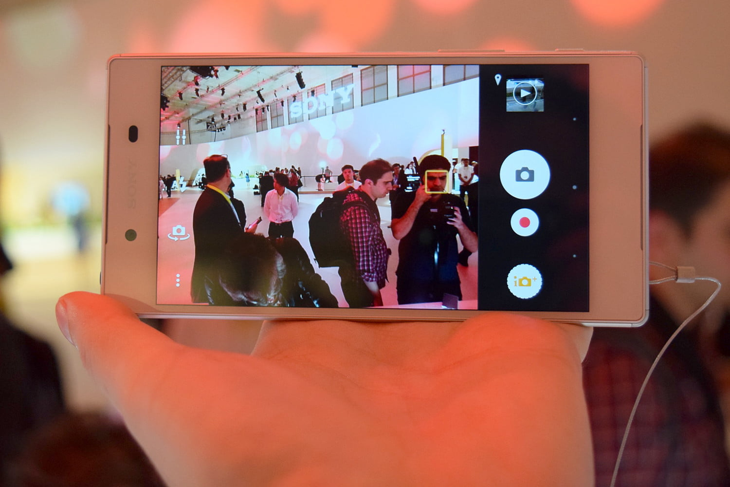 Sony Xperia Z5 phone Hands On