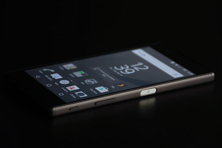 sony xperia z  review top full