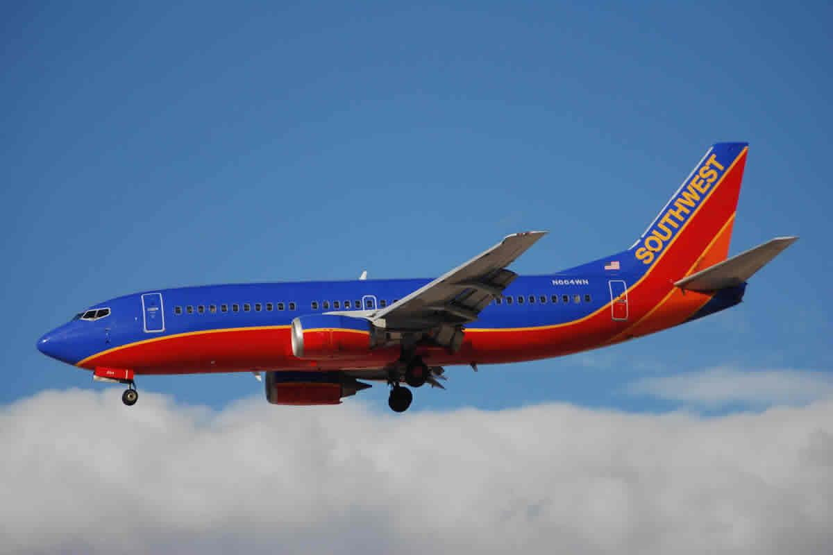 want text flights southwest offers less expensive imessage plan