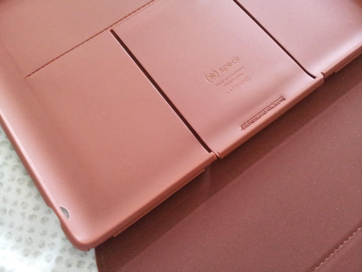 Speck MagFolio Luxe close up