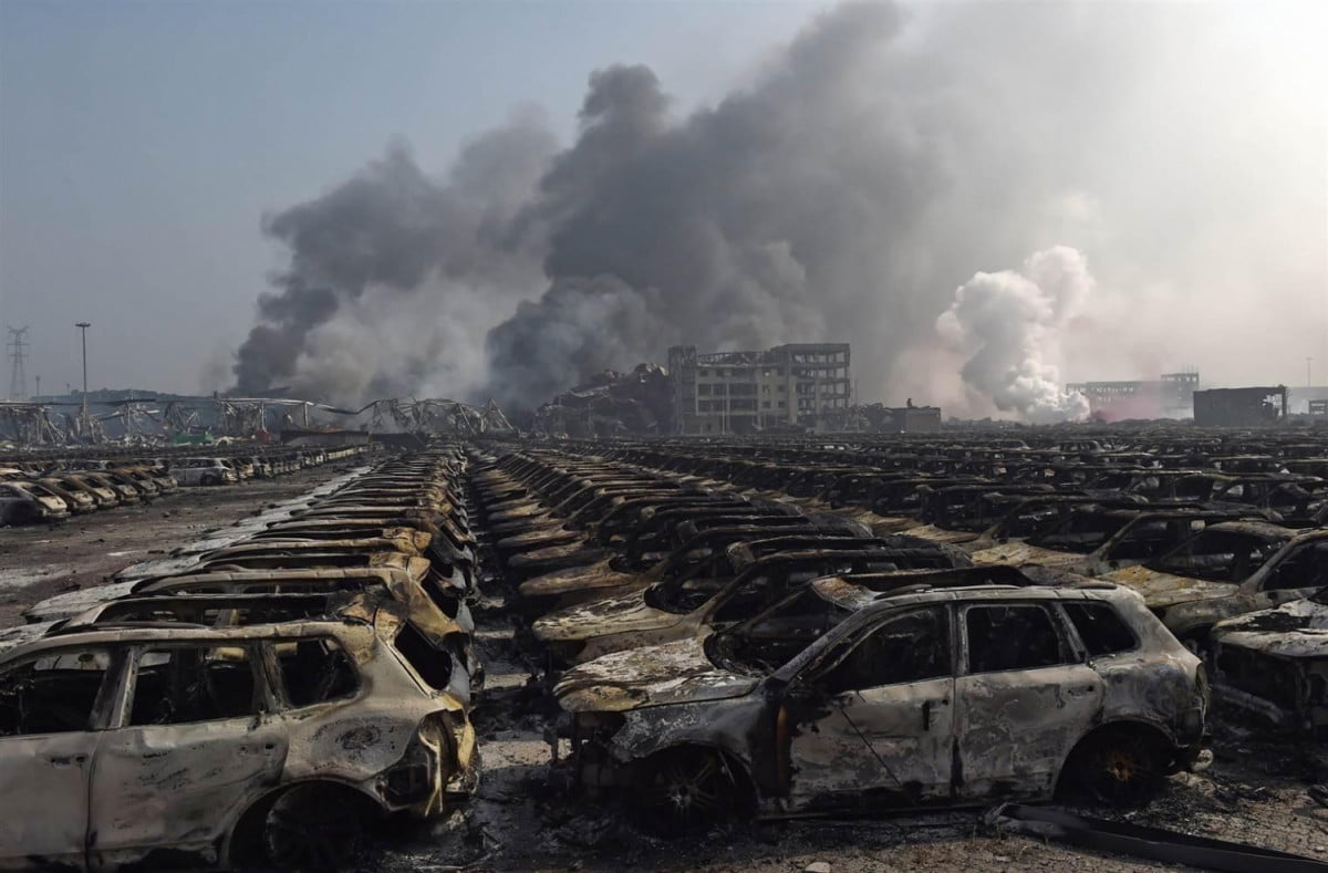 tianjin explosion destroys over  cars news pictures