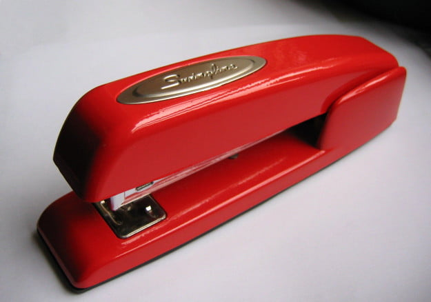 Stapler-swingline-red