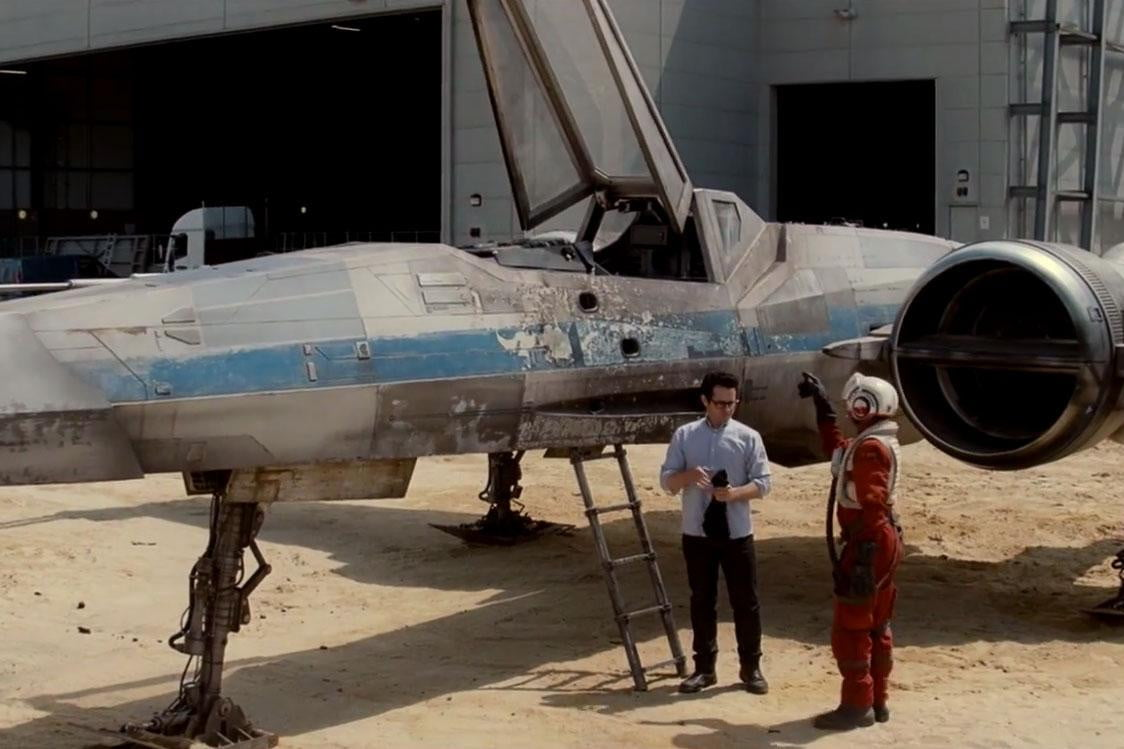 week left win role star wars private screening episode  x wing