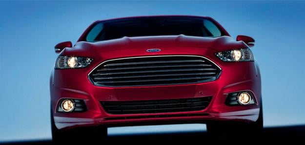 Start-stop-technology-smartly-places-2013-Ford-Fusion-at-the-head-of-its-class