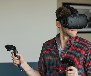 Oculus Home issabotaging the Rift while HTC's Vive steams ahead