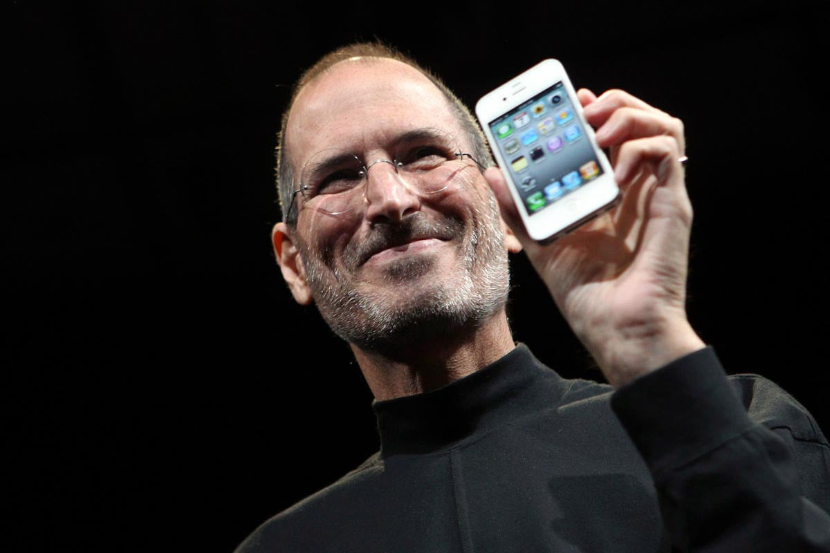 on steve jobs  st birthday his influence guides apples fight for encryption main