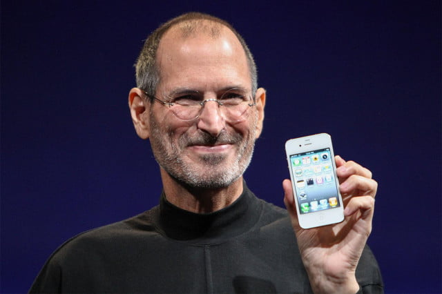 on the  th anniversary of steve jobs death tim cook sends a heartfelt email to apple staff