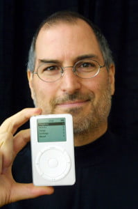 steve-jobs-ipod-holding