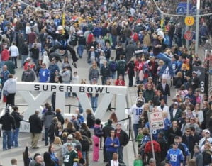 super-bowl-46-crowds