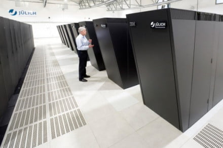 supercomputer-center-servers-ibm
