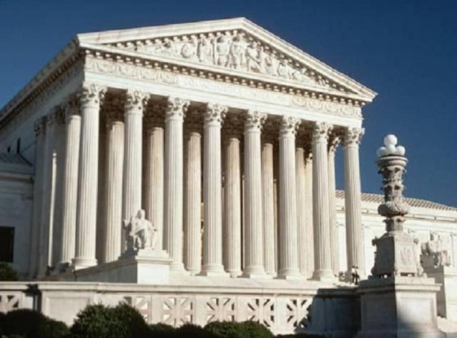 apple samsung patent brief support supreme court building