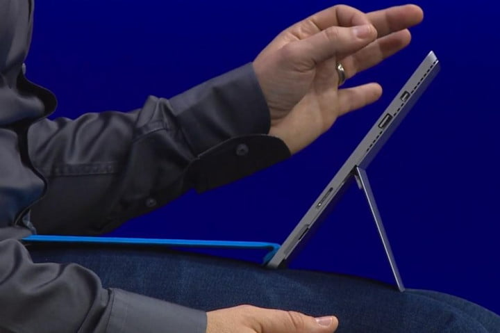 surface pro  news type cover flip